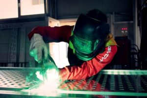 How to MIG Weld: A Complete Guide to Weld Like a Professional